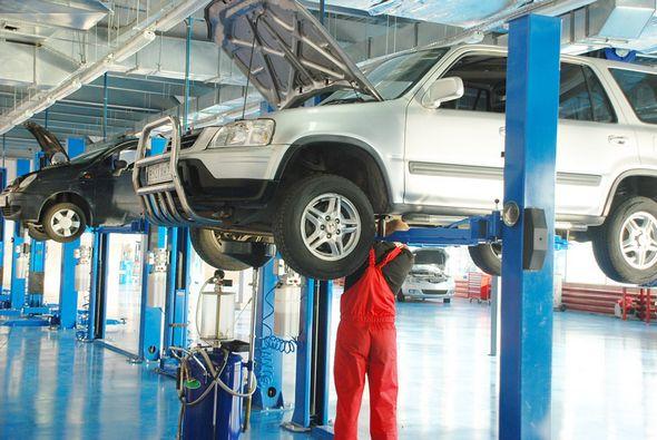 Услуги по ремонту автомобилей